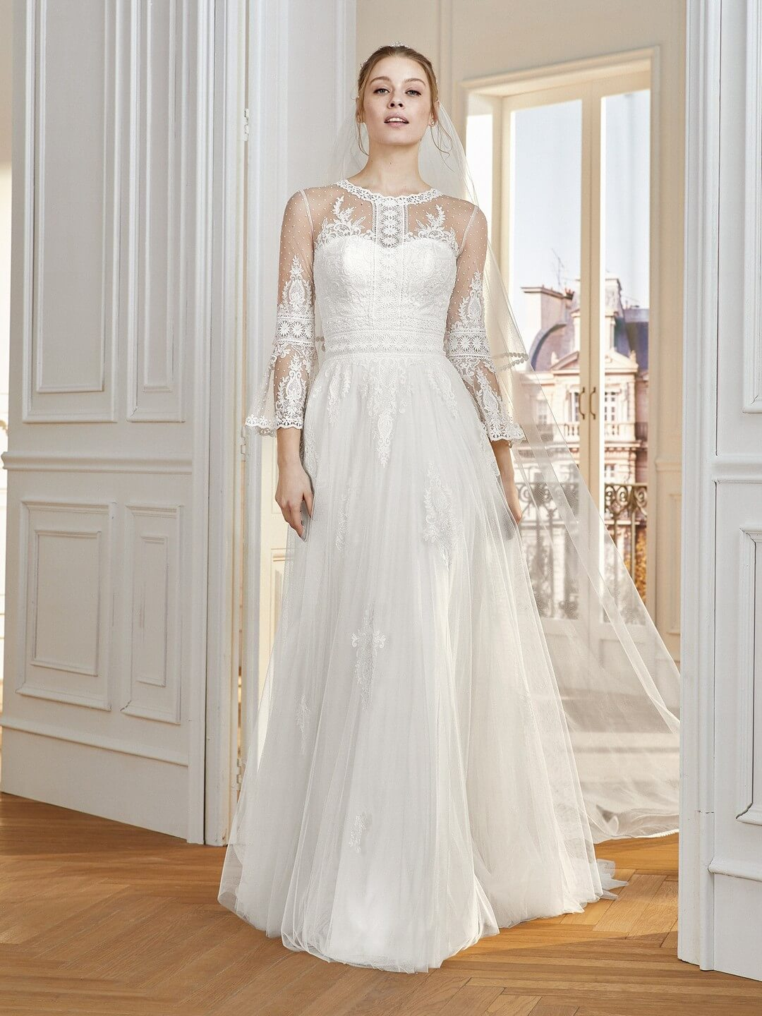 Νυφικό CHAMPERET της collection St. Patrick του οίκου Pronovias